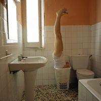 Autorretrato como ropa sucia, de  Félix Fernández