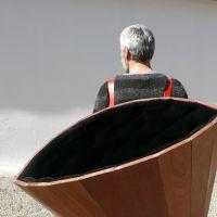 No hagas cosas pesadas que después tienes que cargar con ellas. Black hole , de  Jorge Varela